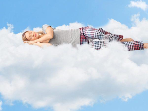 Conciliare il sonno: 5 cibi per dormire meglio