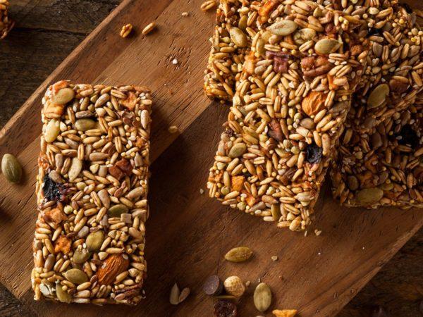 Barrette energetiche: la ricetta per preparare in casa gustosi snack