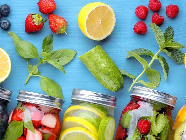 Healthy Food per l'estate: barrette energetiche e acque aromatizzate