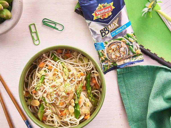 Come cucinare i noodles: una ricetta con asparagi e BBMix