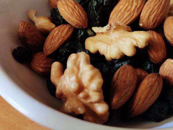 Frutta secca in cucina: il nuovo mix Ventura con nuts e uvetta