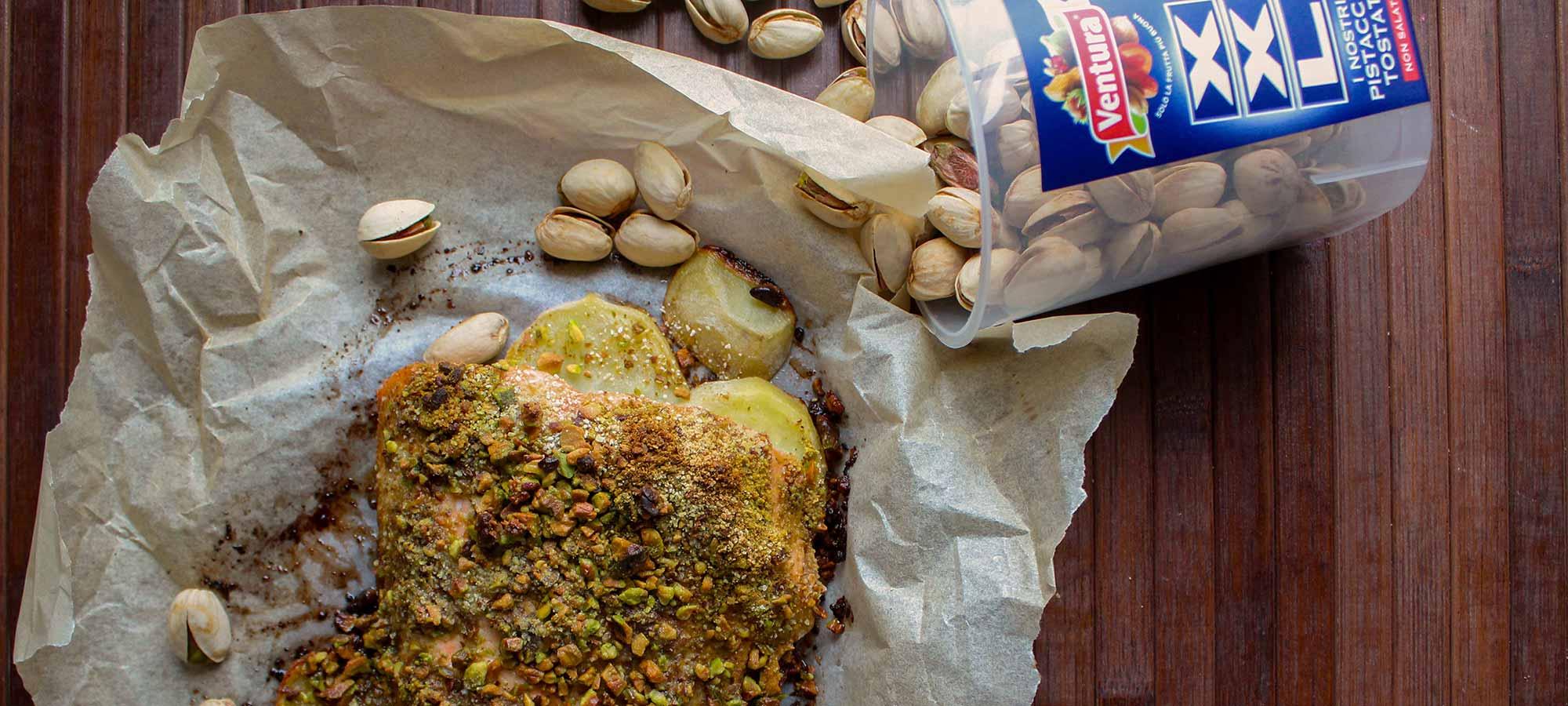 Salmone al forno in crosta di pistacchi Ventura
