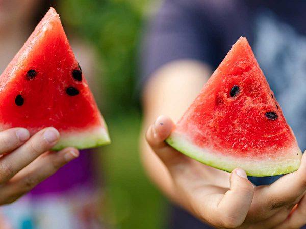 Alimentazione estiva per bambini: cosa mangiare con il caldo?
