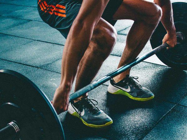 Alla scoperta del weightlifting: sollevamento pesi e alimentazione