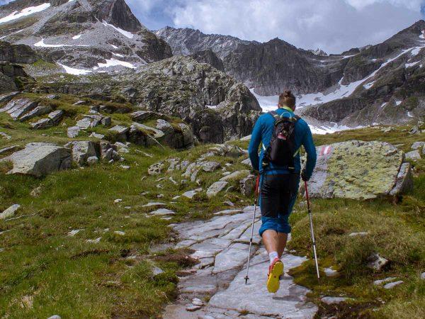 Nordic Walking: tutti i benefici della camminata nordica